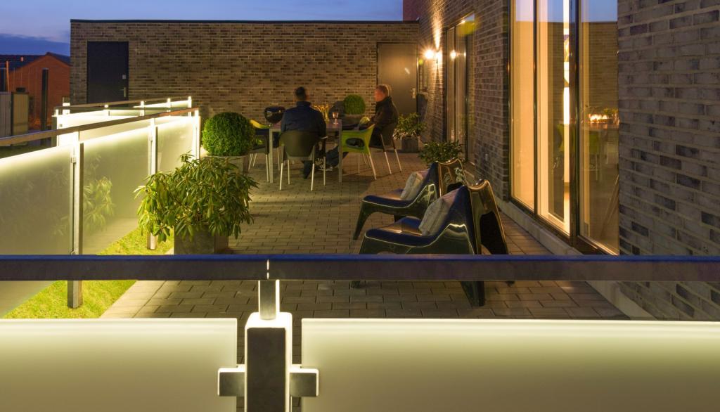 Lys og læ på terrassen